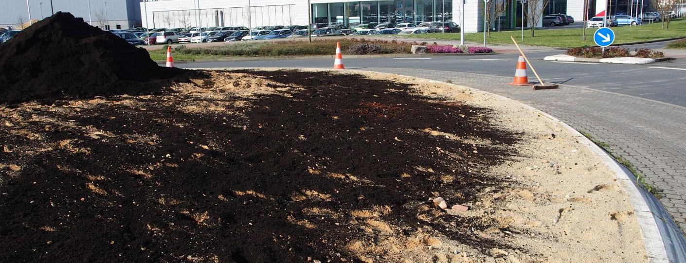 Kiessand als neues Substrat, darauf kommt eine dünne Schicht Kompost