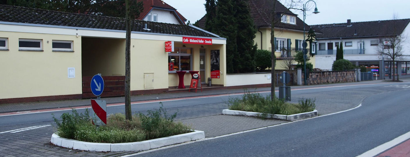 Verkehrsinseln in der Bahnstraße (vorher)